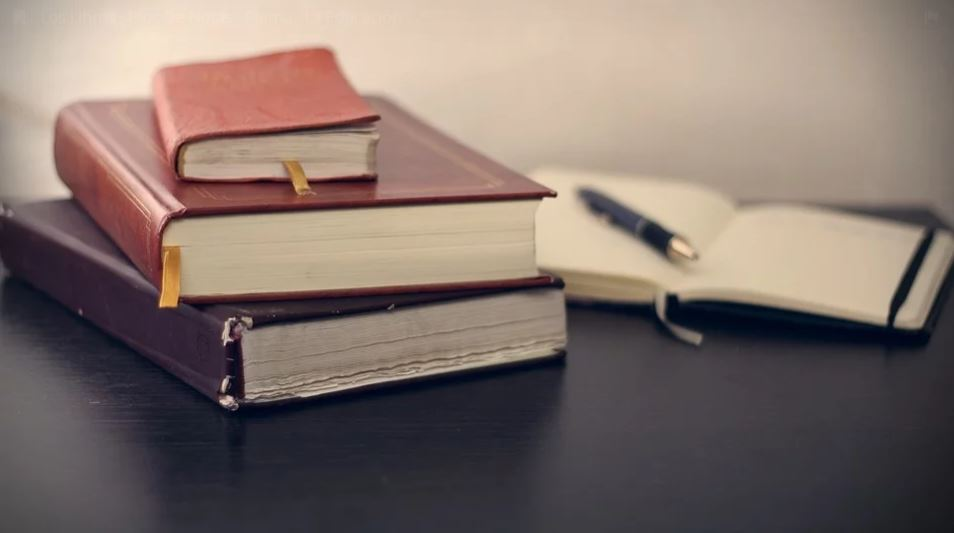 Literatura, Lengua y Literatura y Monografía